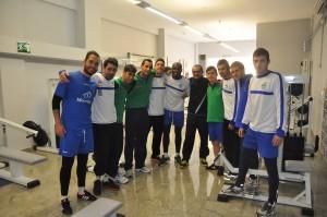 Miguel Ángel con los jugadores de Montesinos CFS Jumilla